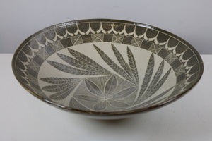 Wide Ceramic Bowl with Decorative Leaves