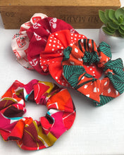 Load image into Gallery viewer, Scrunchie - Reds