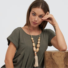 Load image into Gallery viewer, Faceted rocks & tassel necklace