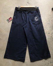 Load image into Gallery viewer, Denim linea 4/5ths pant