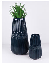 Load image into Gallery viewer, Zari vase - Navy