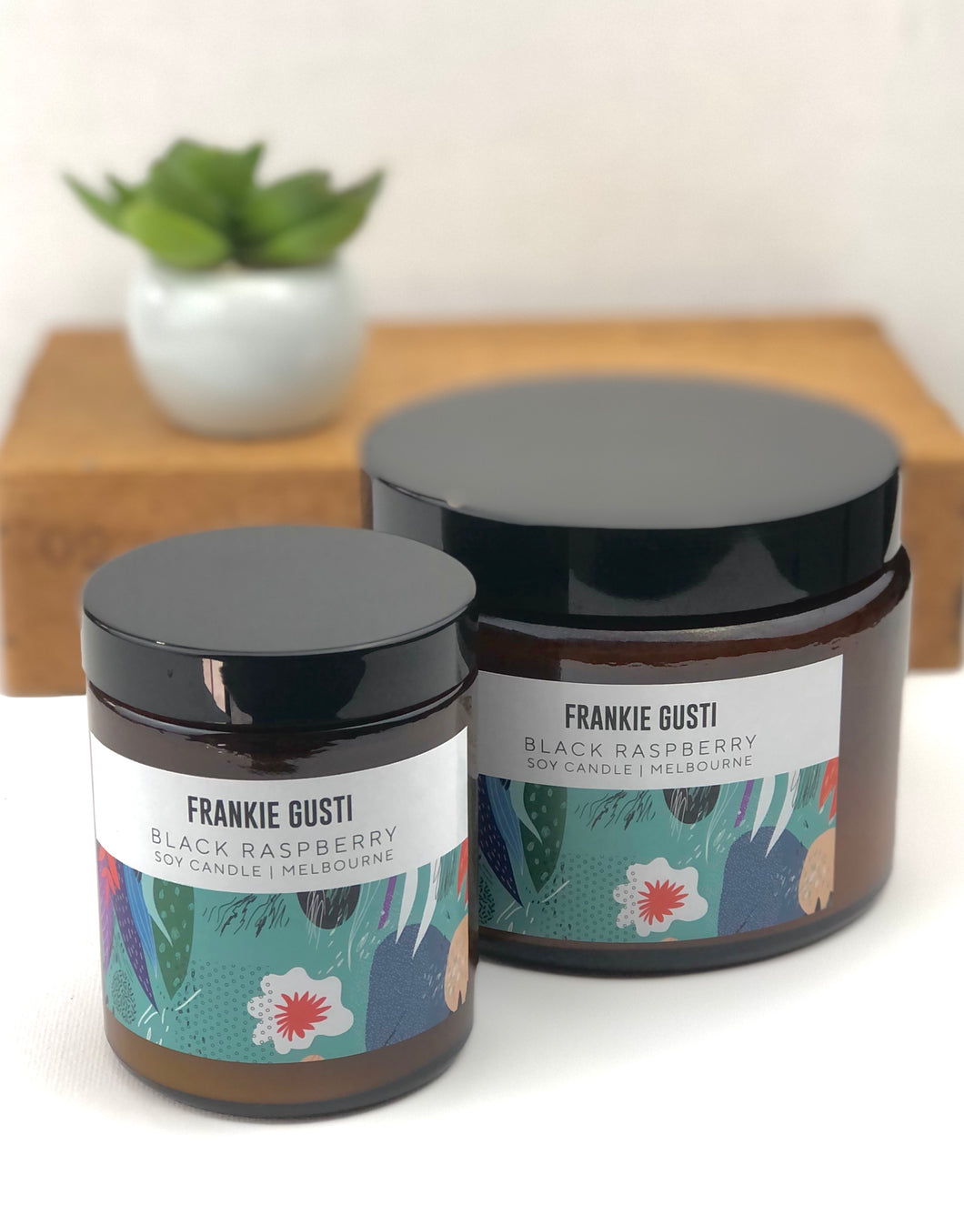 Frankie Gusti candle - Black Raspberry