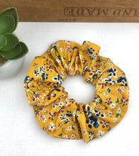 Load image into Gallery viewer, Scrunchie - Yellow