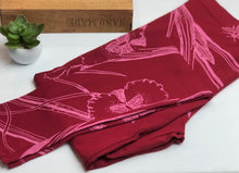 Load image into Gallery viewer, Cotton Adventure pants in Garden party - magenta