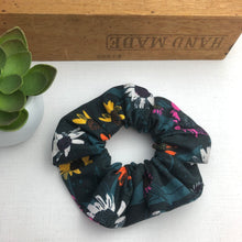 Load image into Gallery viewer, Scrunchie - Greens
