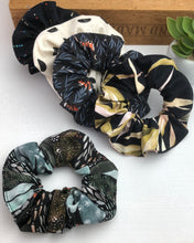 Load image into Gallery viewer, Scrunchie - Blacks