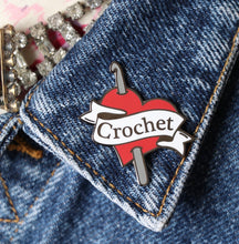 Load image into Gallery viewer, Enamel badge - Crochet