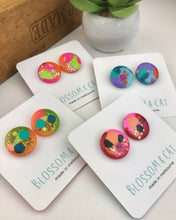 Load image into Gallery viewer, Resin shimmer burst studs - 20mm