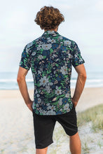 Load image into Gallery viewer, Men's shirt in poppy
