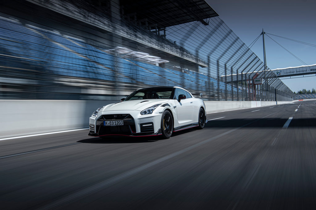 Nissan GT-R NISMO breaks lap time record on Tsukuba Circuit in Japan