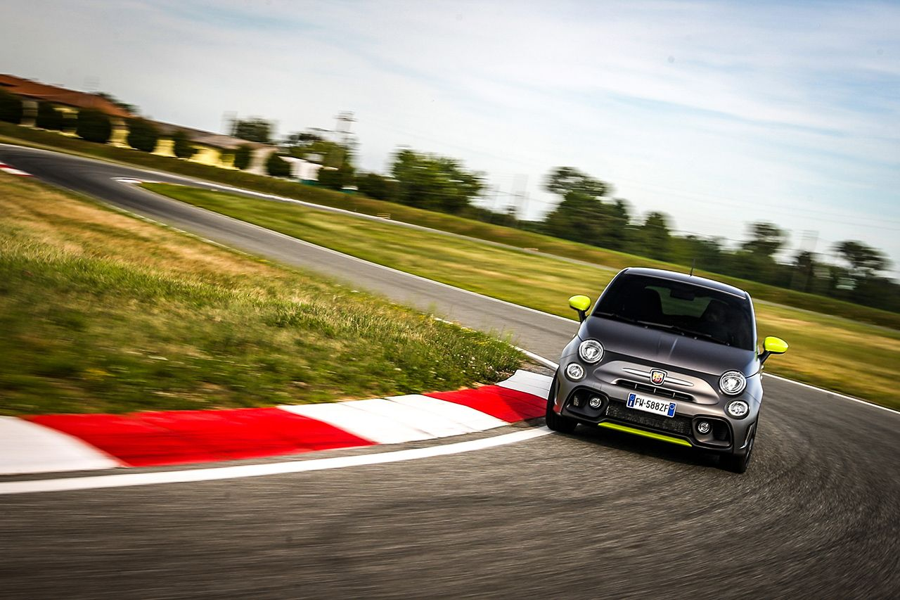 New Abarth 595 Pista, created for young drivers 4
