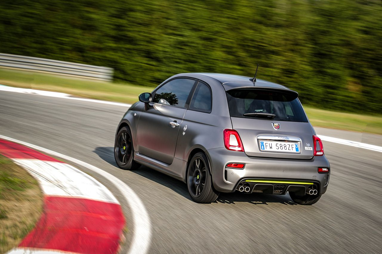 New Abarth 595 Pista, created for young drivers 6