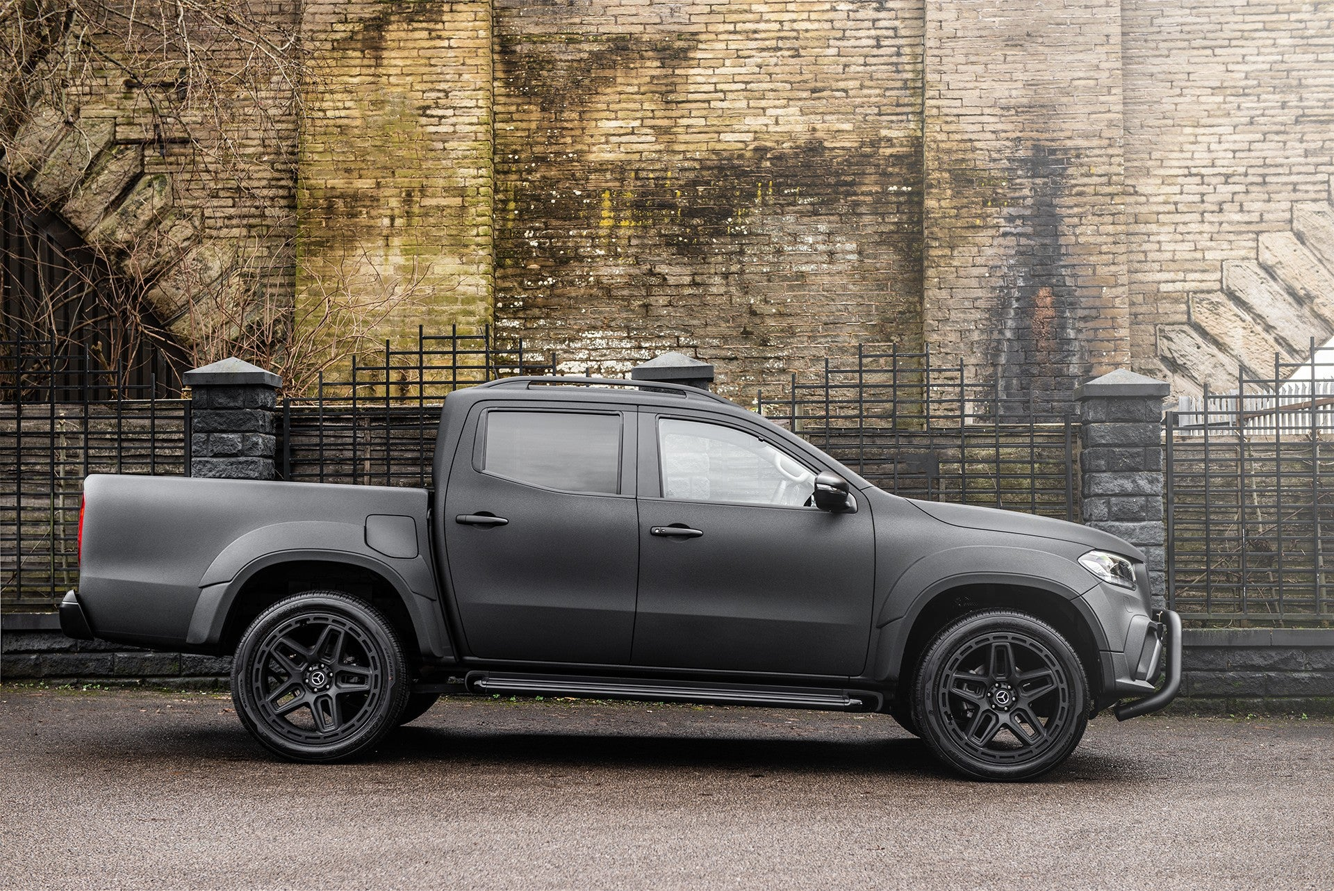 PROJECT KAHN 'ARMY CHIC' MERCEDES-BENZ X CLASS 02