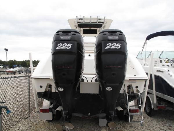 2012 Boston Whaler 270 Outrage