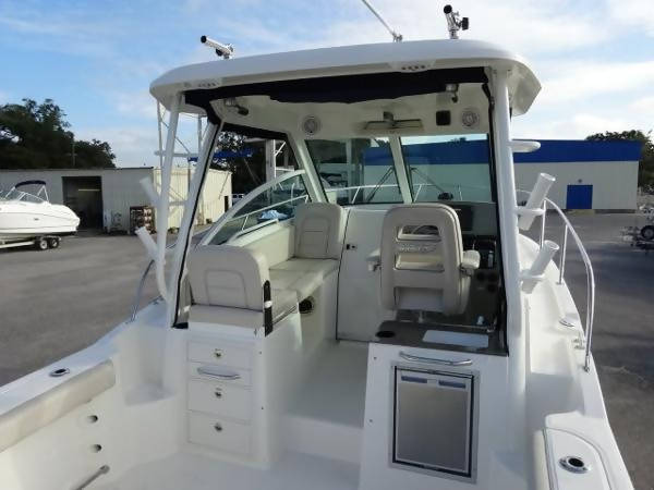 2015 Boston Whaler 285 Conquest