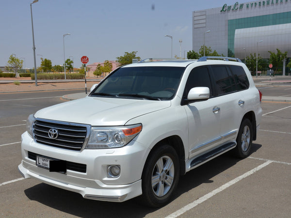 Toyota Land Cruiser V6 GXR Model 2015 ( used in 2016 ) , Lady Driven & Non smoker