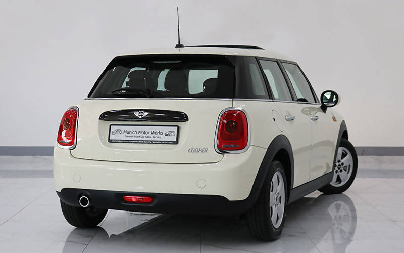 Mini Cooper 5 Door 2017 – 0km/3 Year Warranty + Service Package!
