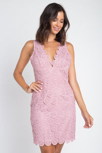 Mauve Circle V-neck Scallop Hemline