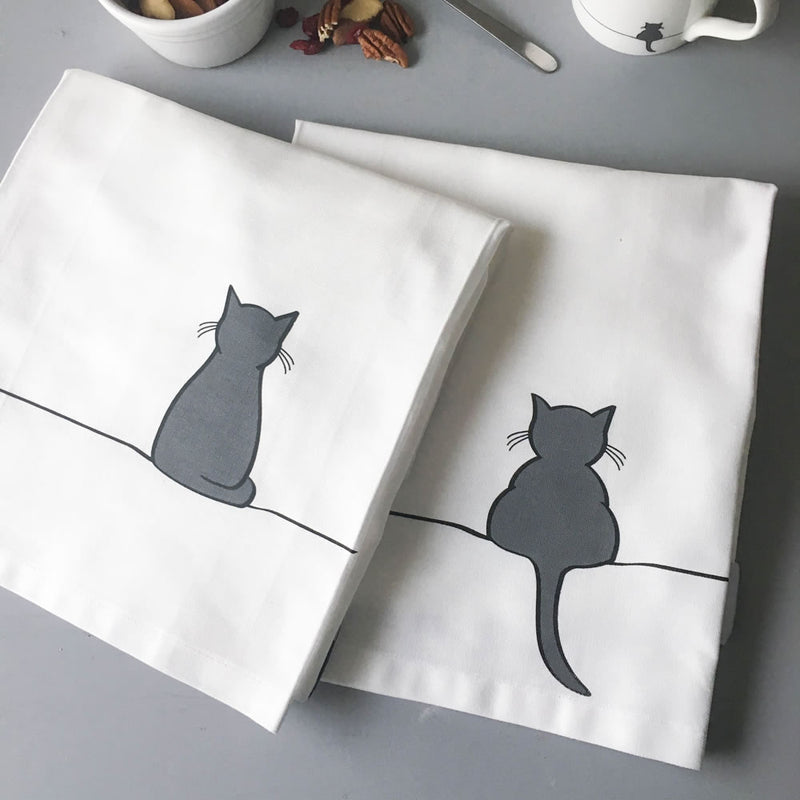Sitting Cat and Crouching Cat Tea Towel Set