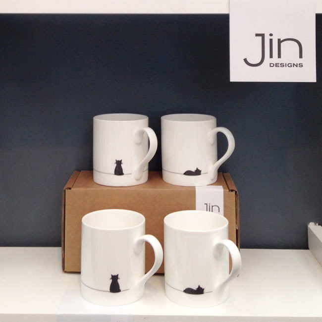 Jin-DisplayStand-CatMugs