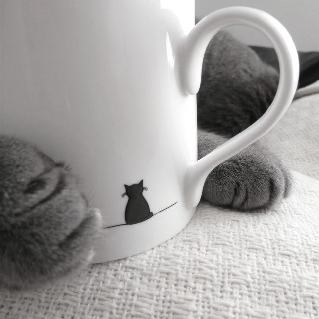 Sitting Cat Mug with Paw