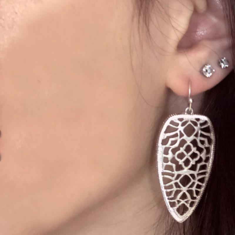 Metal Filigree Arrow Head Earring
