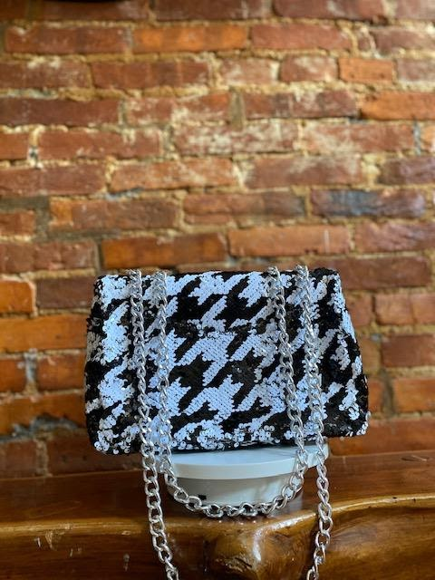 HOUNDSTOOTH CHAIN BAG