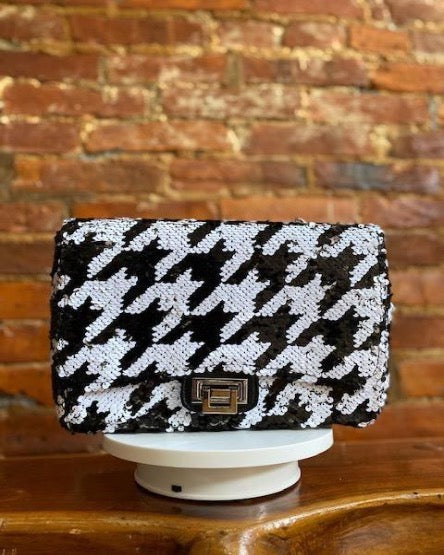 HOUNDSTOOTH CHAIN BAG (ESTIMATED SHIP DATE IS 9/30-10/3)