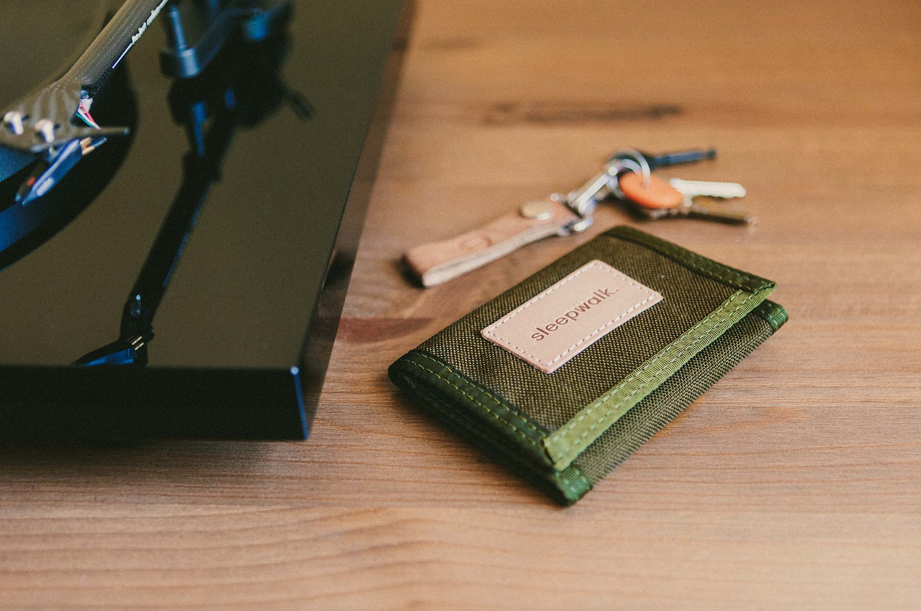 sleepwalk trifold velcro wallet olive color