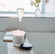 Load image into Gallery viewer, Jasmine & White Amber Luxury Candle