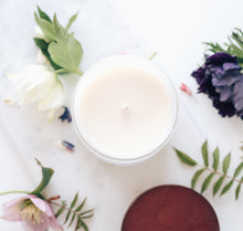 Load image into Gallery viewer, Rose & Oud Large Luxury Candle