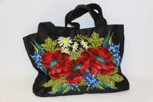 Load image into Gallery viewer, Beaded Poppy Purse