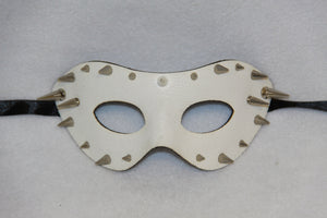 Masquerade Mask White Spike