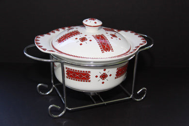 small round casserole with rack