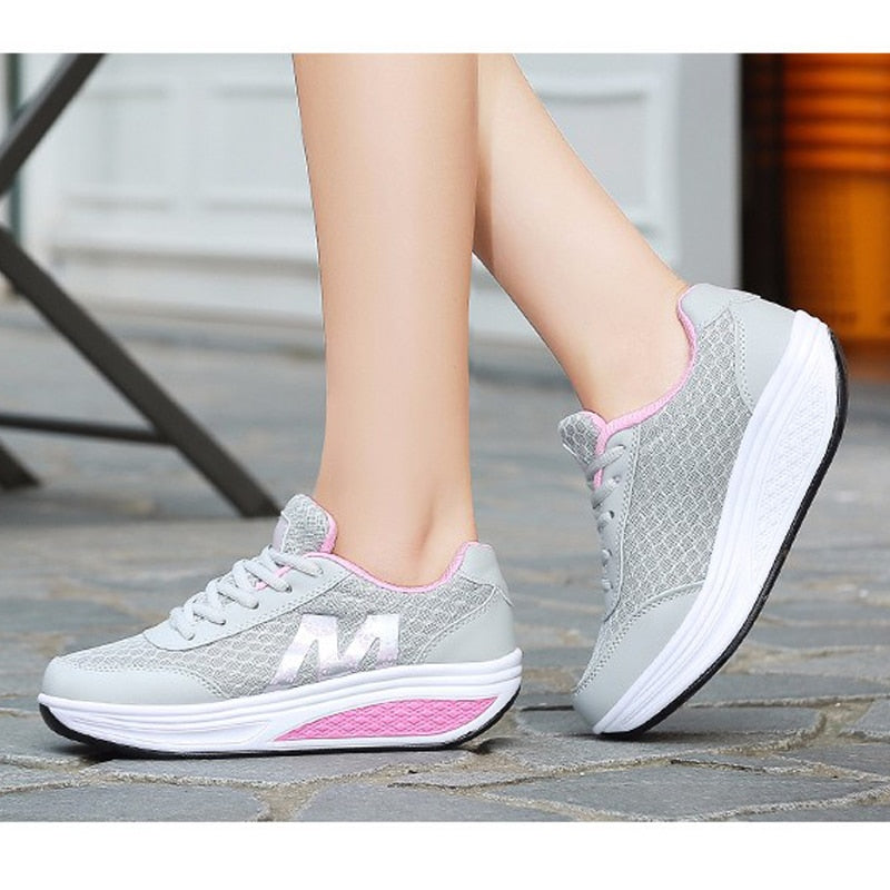 Women BreathableMesh Sports Shoes