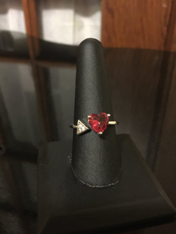 Ruby / Garnet type ring - Heart / Arrow