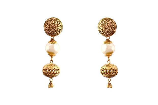 22kt earring with pearl