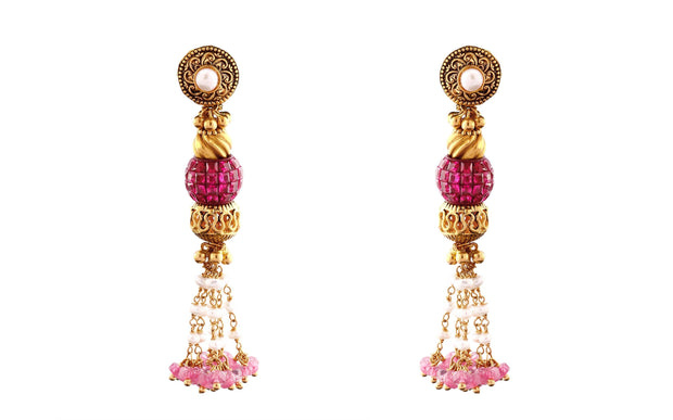22kt earring with pearl and gemstone
