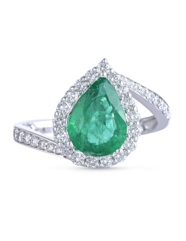18kt  diamond and emerald  ring.