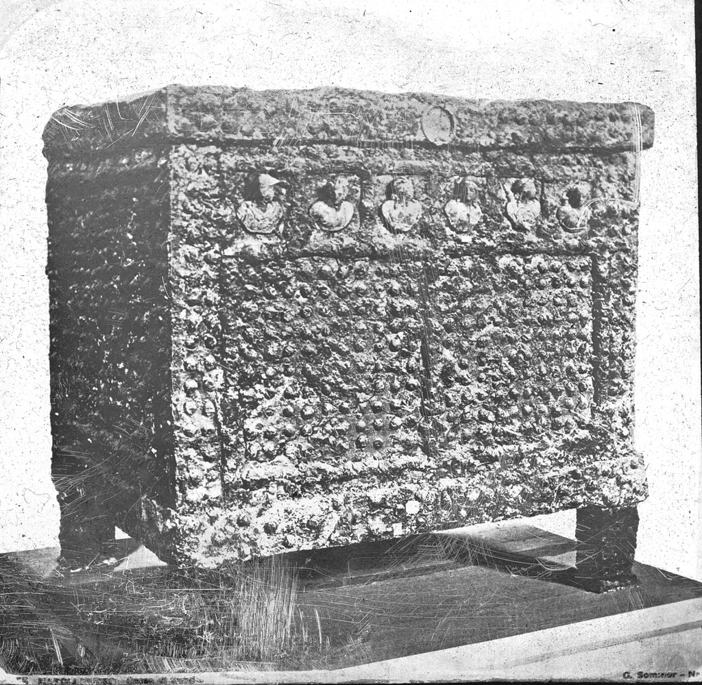 iron safe with bronze decorations