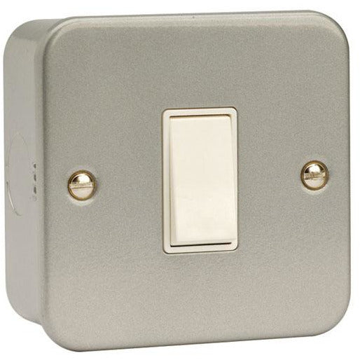 Click Metal Clad 10AX 1 Gang 2 Way Plate Switch (CL011)