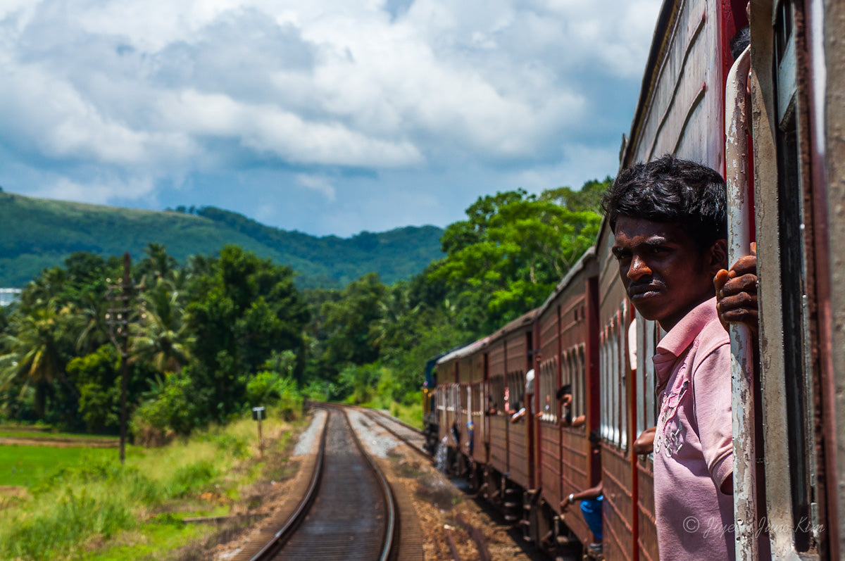 Sri-Lanka-Dambula-Train-4955