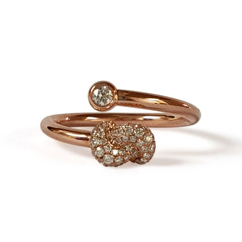 Mini Knot Ring in Pink Gold with Diamonds on Knot