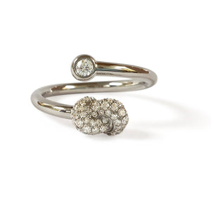 Mini Knot Ring in White Gold with Diamonds on Knot