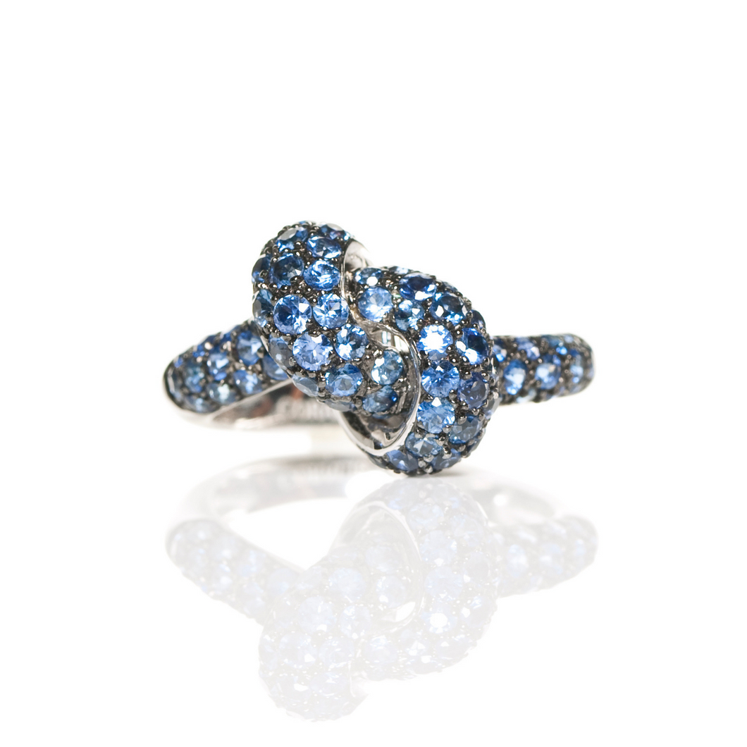 The Love Knot Ring - White Gold & Blue Sapphire