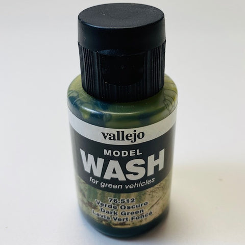 Vallejo Model Wash For Green Vehicles Dark Green 76.512 35ML.