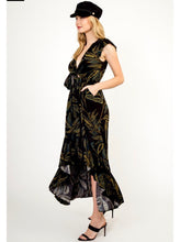 Load image into Gallery viewer, Black Floral Maxi