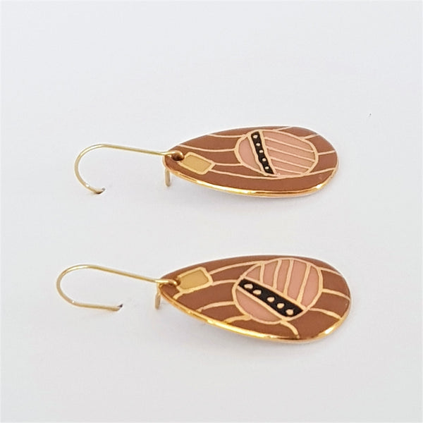 Porcelain and 22kt gold dangle earrings in earthy tones