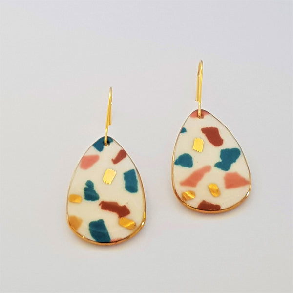 Dangle earrings white terrazzo style with autumn tones and gold