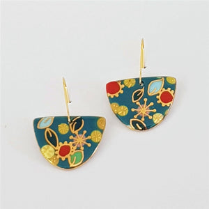 D dangle earrings in floral design with gold linework